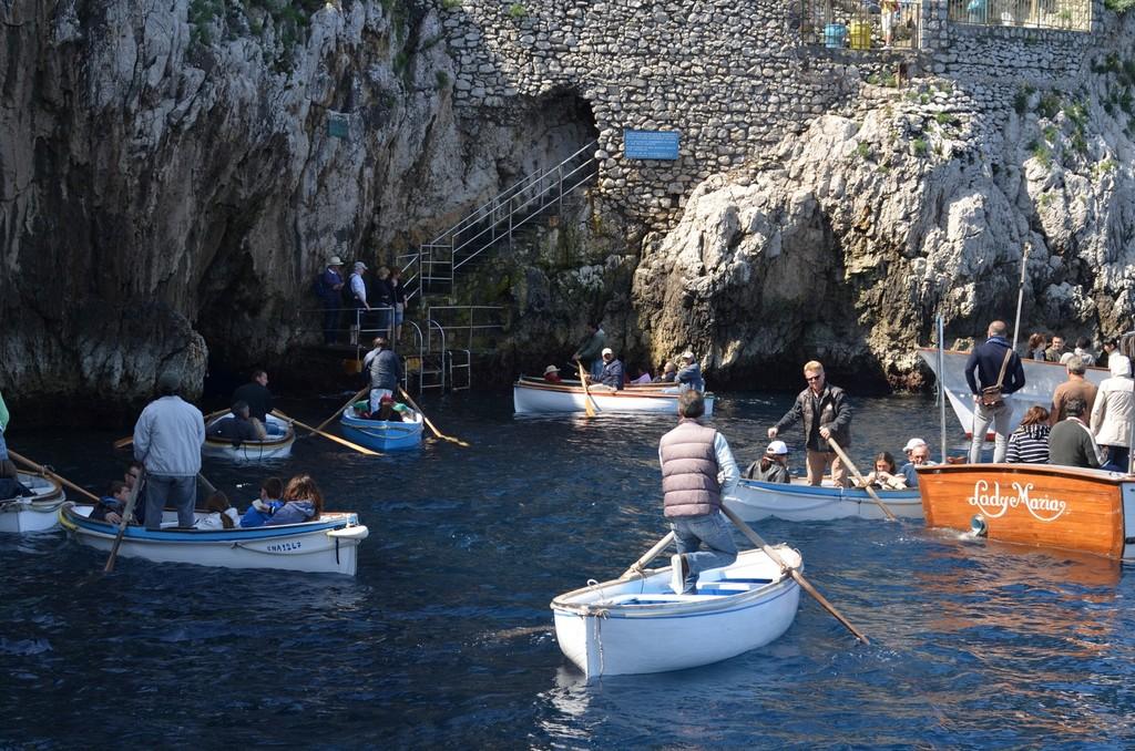 Capri, Vor der Blauen Grotte