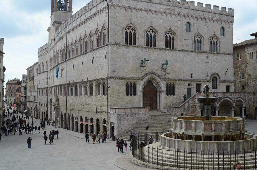 Perugia, Fontana Maggiore und Palazzo dei Priori