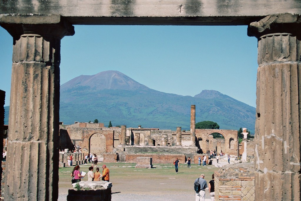 Pompeji, Blick vom Forum auf den Vesuv