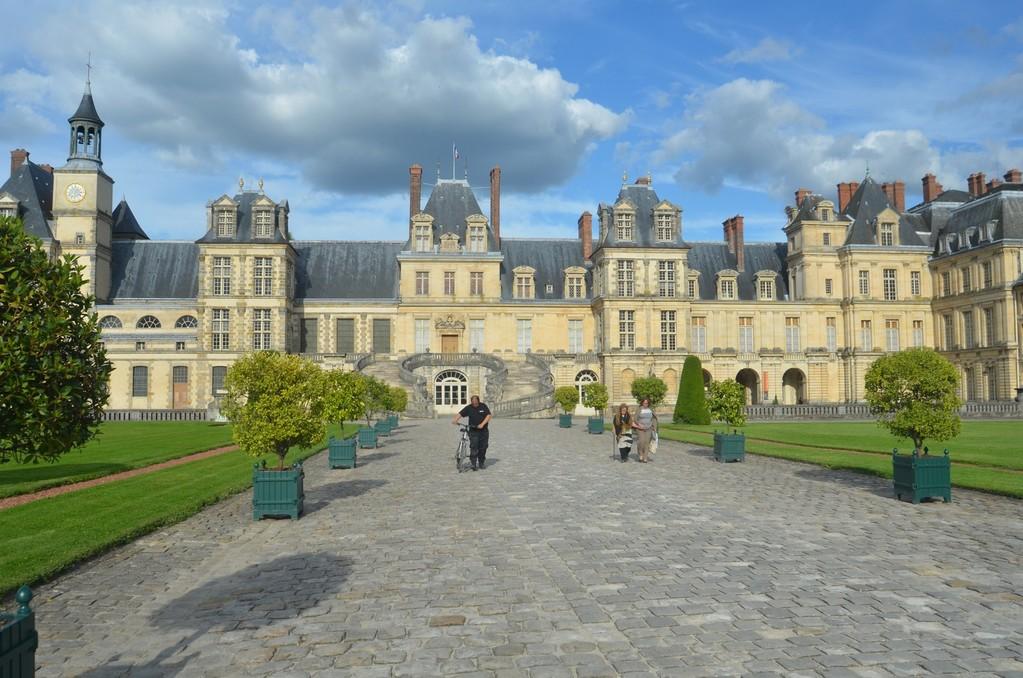 Schloß Fontainebleau, Cour du Cheval Blanc