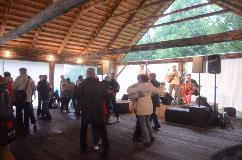Tallinn, Janispäev (Johannis-/Mittsommernachtfest) auf dem Gelände des Freilichtmuseums Rocca al Mare bei Tallinn