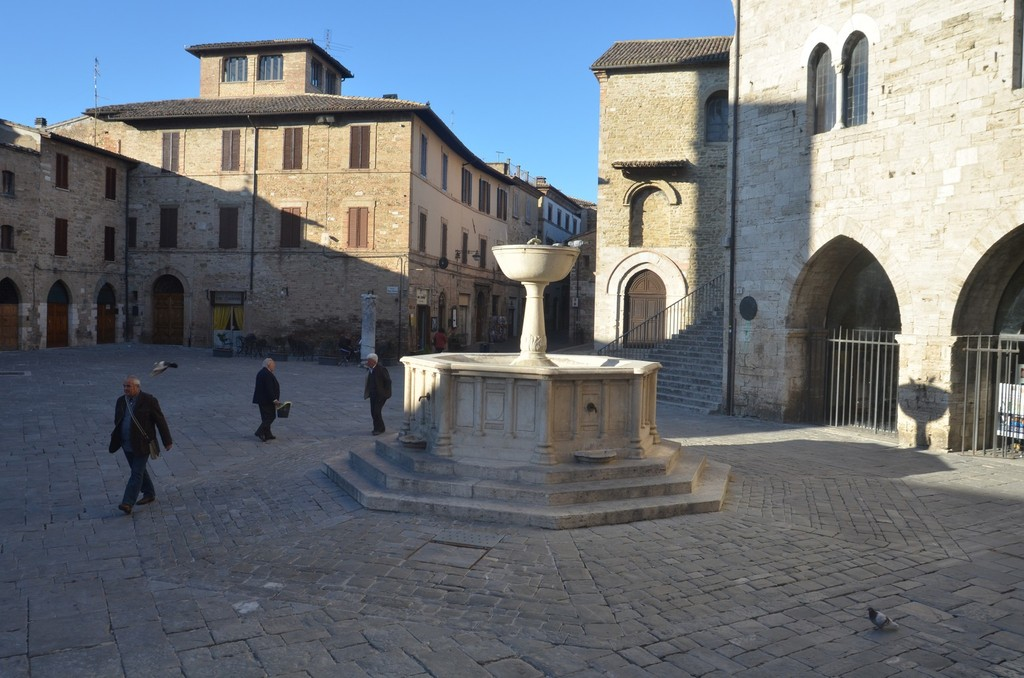 Bevagna, Piazza Silvestri
