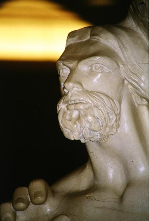 Giuliano Vangi, Christus (San Giovanni Rotondo, Chiesa Nuova, Ambo)