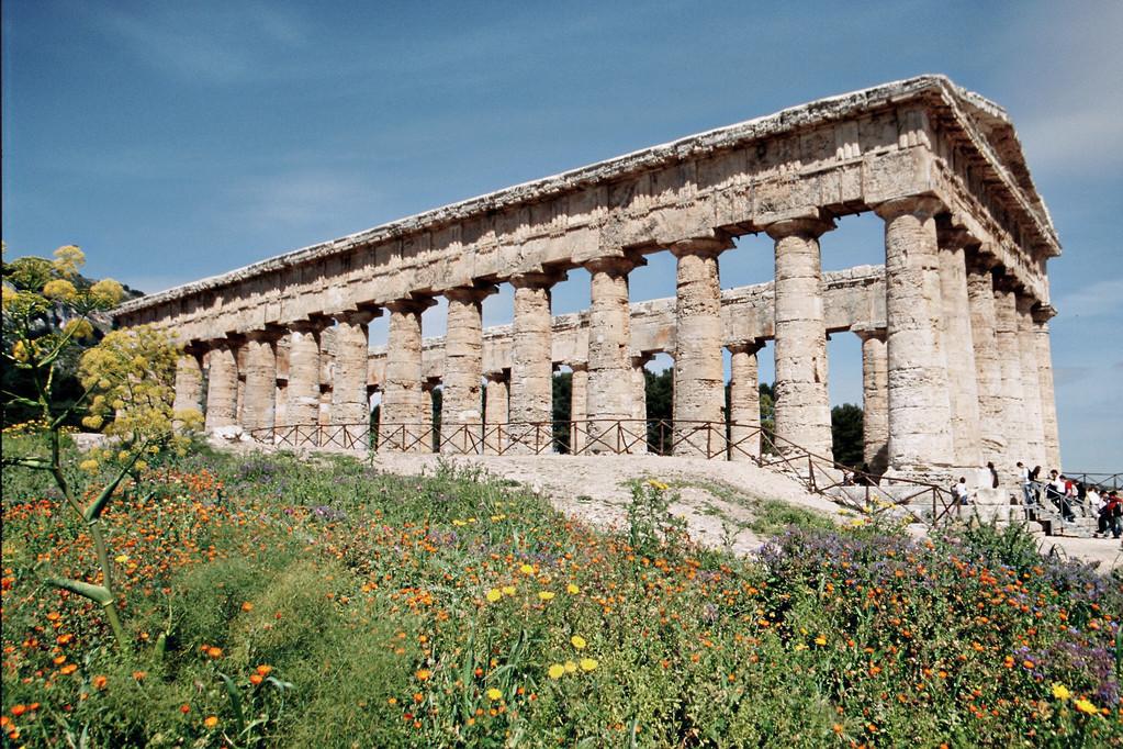 Segesta, Tempel