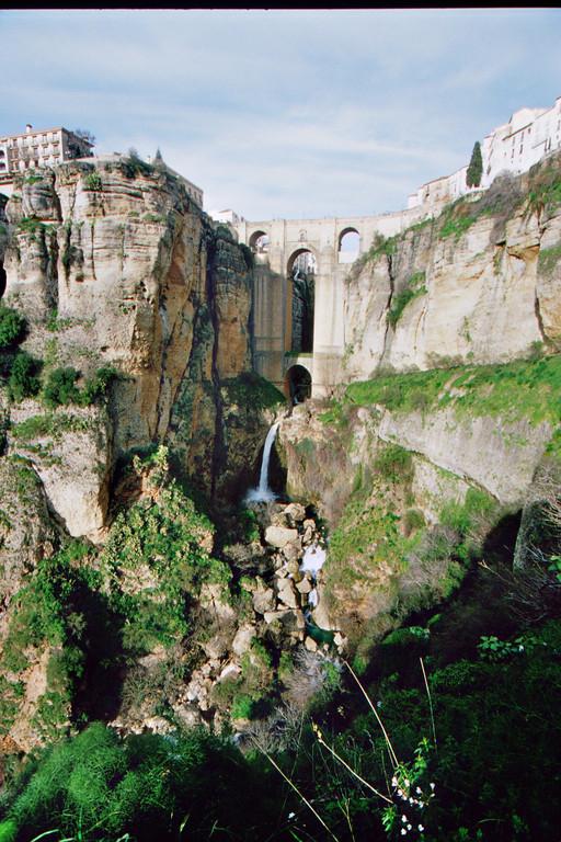 Ronda, Neue Brücke über die Schlucht El Tajo