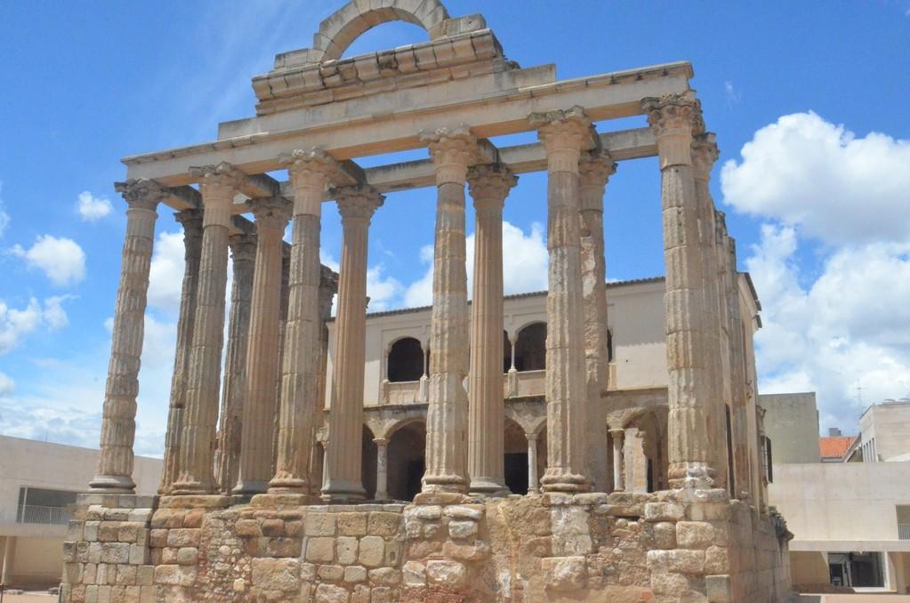 Mérida, Sogenannter Dianatempel (erbaut unter Kaiser Augustus, 27 v.Chr. - 14 n.Chr.)