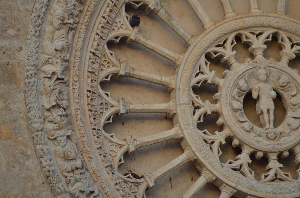 Ostuni, Kathedrale, Detail der Fensterrose