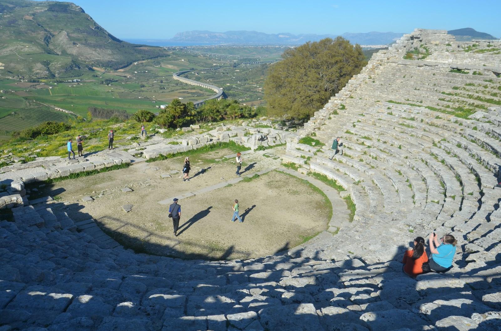 Segesta, Theater