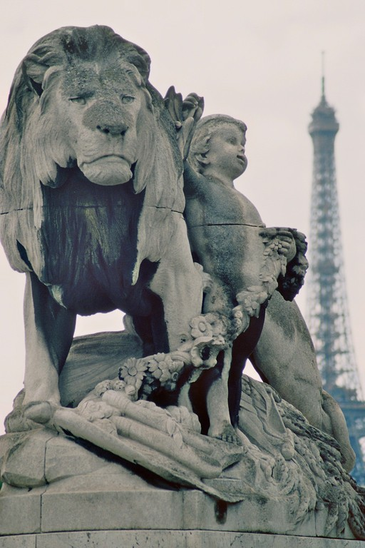 Pont Alexandre III., Blick auf Eiffelturm