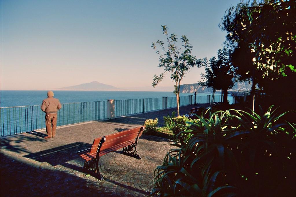 Sorrent, Blick auf den Vesuv
