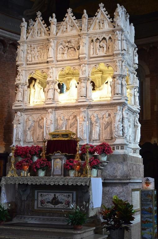 Pavia, San Pietro in Ciel d'Oro, Grabmal für den hl. Augustinus