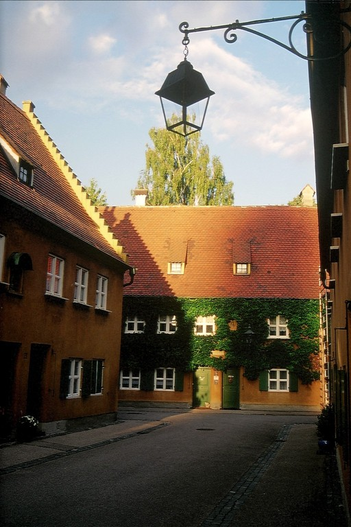 Augsburg, Abendstimmung in der Fuggerei
