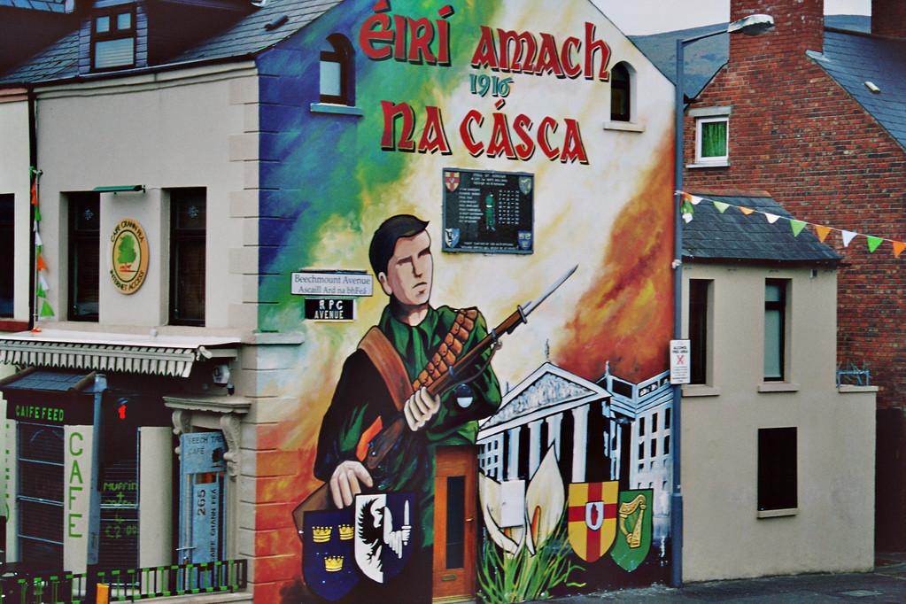 Belfast, Falls Road, Mural zum Gedenken an Osteraufstand 1916