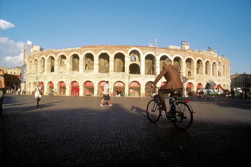 Verona, Piazza Bra mit Römischem Amphitheater