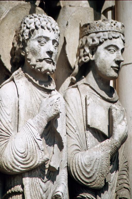 Kathredrale von Chartres, Westfassade, Salomon und Königin von Saba (?)