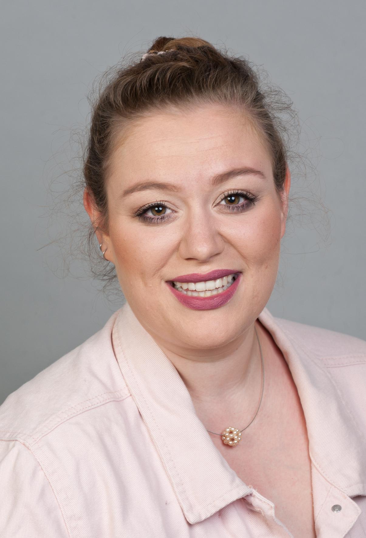 Aline Weuffen - Tanzpädagogin, Spezialgebiete Kindertanz, Streetdance und Tanz für besondere Menschen (m.e.geist. Beh.)