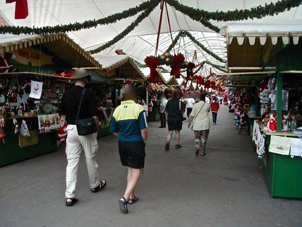 bei über 25 Grad am Weihnachtsmarkt