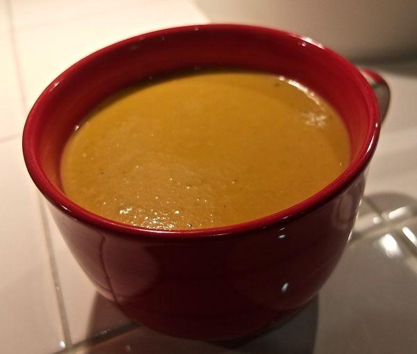 feine Kichererbsen-Kürbissuppe