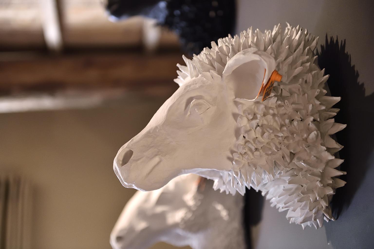 Les sculptures en papier-mâché de Marie Talalaef