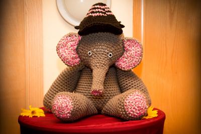 Elefant gehäkelt bei Moni zu kaufen
