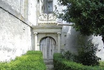 Porte de l'Académie Protestante à Puylaurens, protestantisme Puylaurens, Académie Protestante Montauban