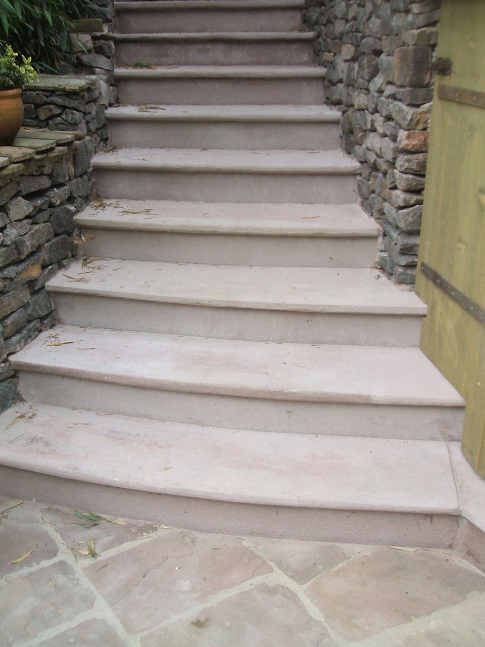Treppe aus Kunstbeton im Sandsteincharakter