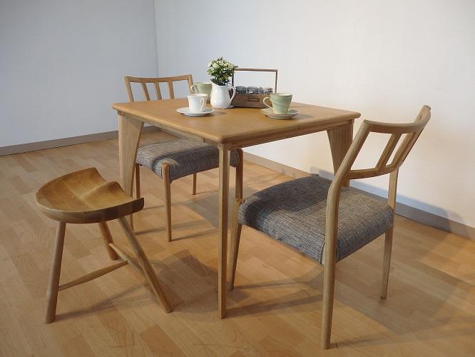 インテリアスツール U-S型 北欧 チェア 椅子 玄関 インテリア 栃木県家具 東京デザインセンター
