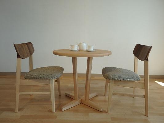 食卓テーブル ダイニングチェア 椅子  メープルリッチSE 丸テーブル 円形 ウォールナット 飛騨 イバタインテリア 栃木県家具 東京デザインセンター