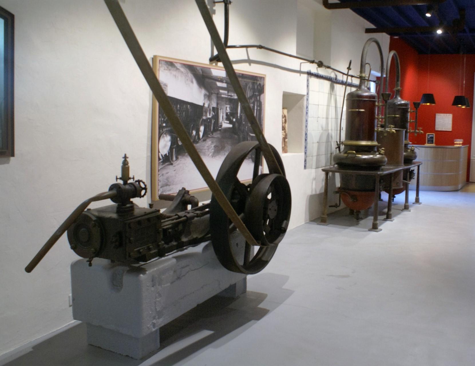 Les anciennes machines de la distillerie