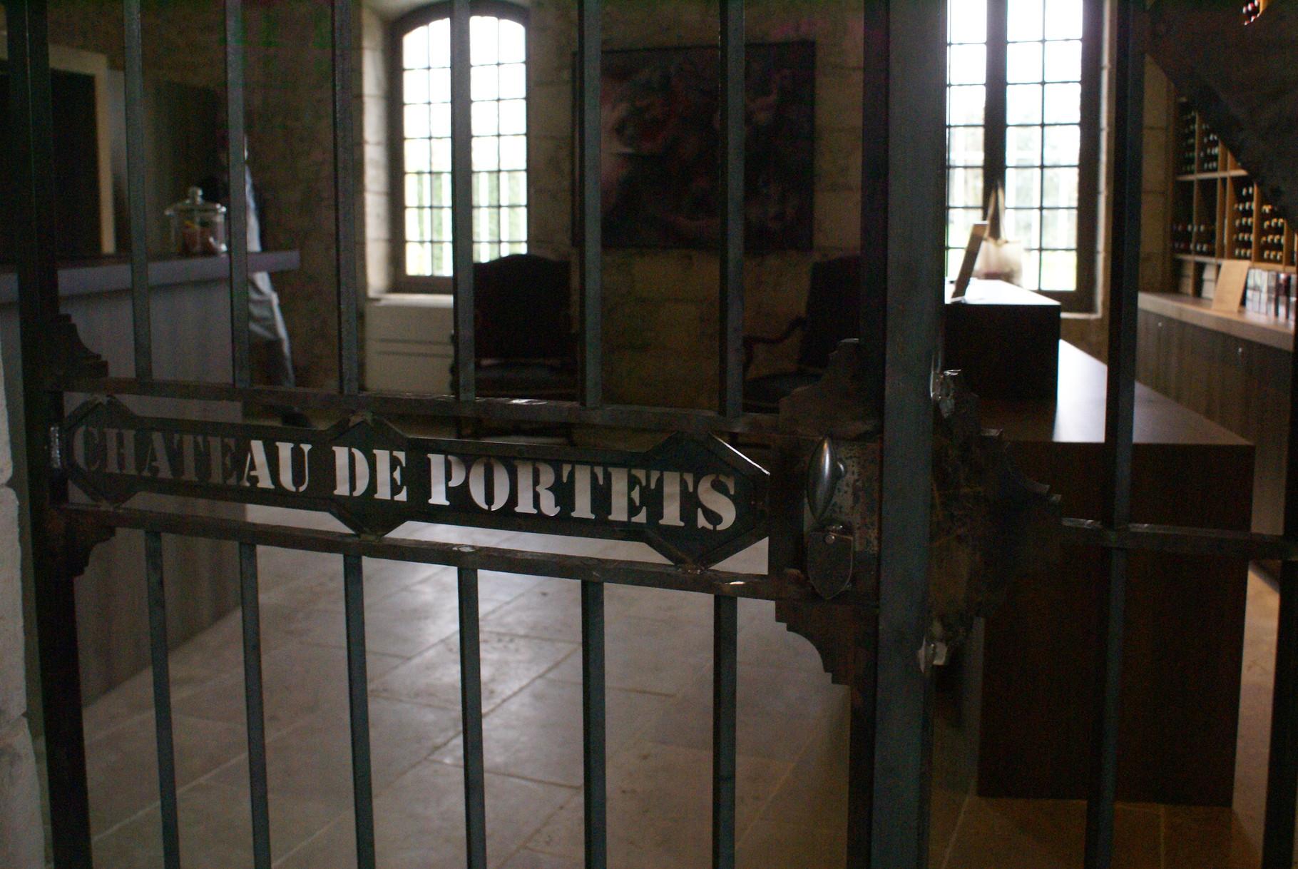 L'entrée du Château de Portets