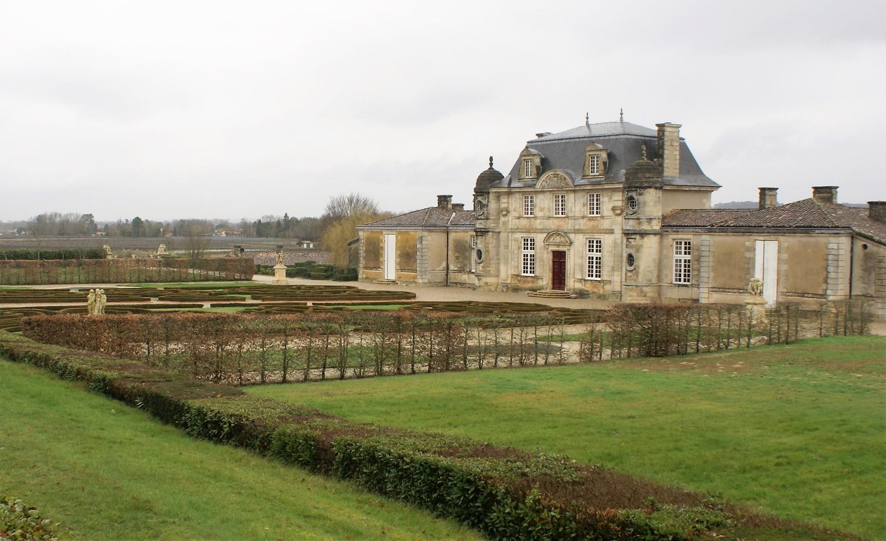 Façade arrière et jardins du Château de Malle