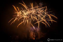 Feuerwerk über dem Schloss Friedrichsthal beim Gothardusfest in Gotha