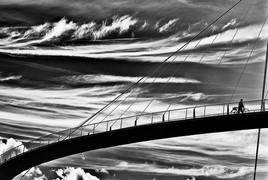Brücke in Sassnitz mit Wolken