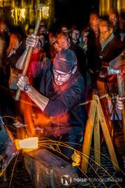 Gotha glüht - Schmied beim Nachtglühen 17. Metallgestaltertreffen 2013