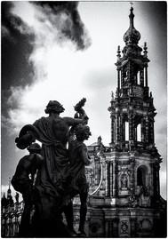 Katholische Hofkirche Dresden schwarzweiß