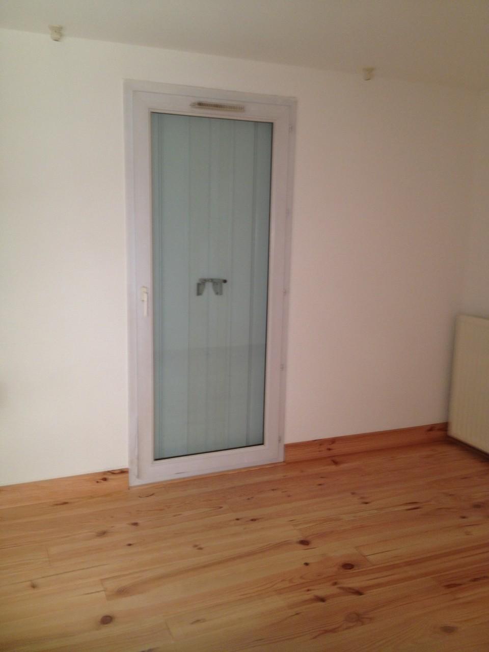 Isolation création d'un caison phonique dans une chambre sauf sur mur exterieur