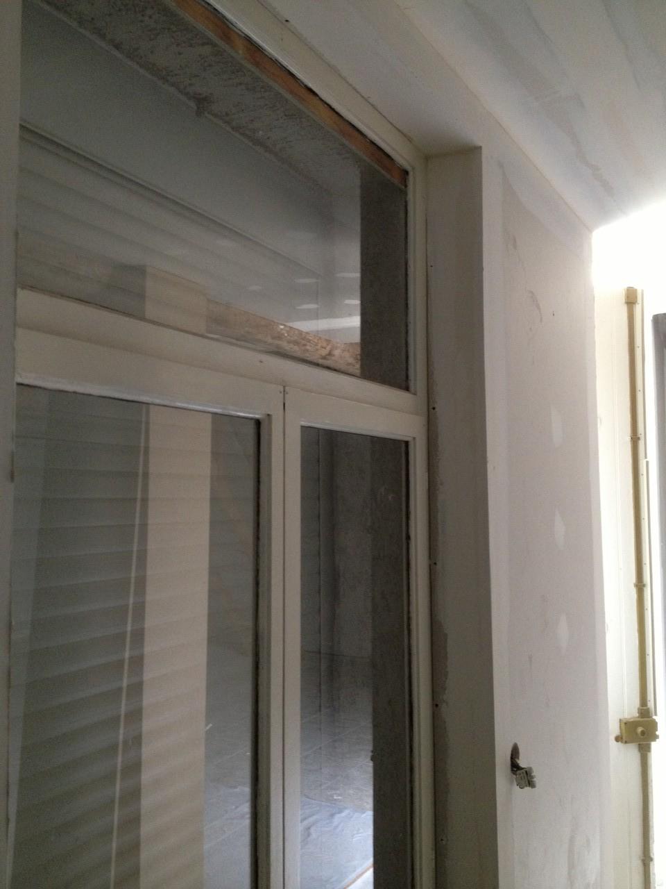 Détail de la nouvelle épaisseur dû à l'isolation sur porte fenêtre