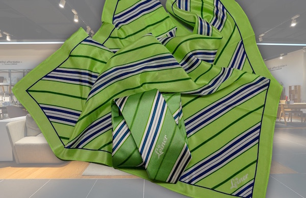Krawatte und Tuch Personalbekleidung