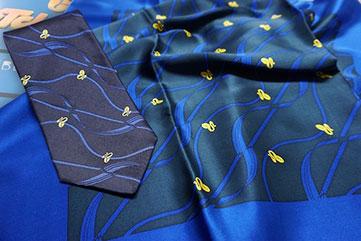 Krawatte mit Damenschal + Damentuch im Set  mit Logo, Wunschdruck, personalisiert, besticken - Feld Textil GmbH Krefeld