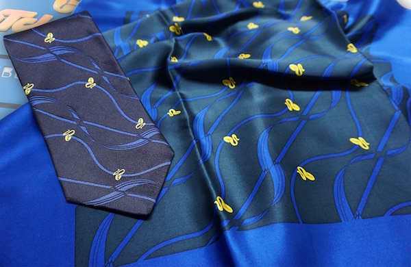 Krawatte und Tuch Teambekleidung