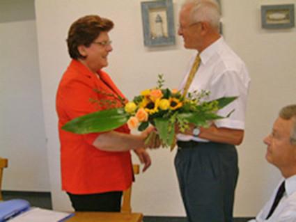 Frau Landtagsvizepräsidentin Barbara Stamm verabschiedete sich am 14. Juli 2005 nach 30jähriger Tätigkeit für den Schifferkinderheim Würzburg e. V. aus ihrem Amt als 2. Vorstandsvorsitzende.