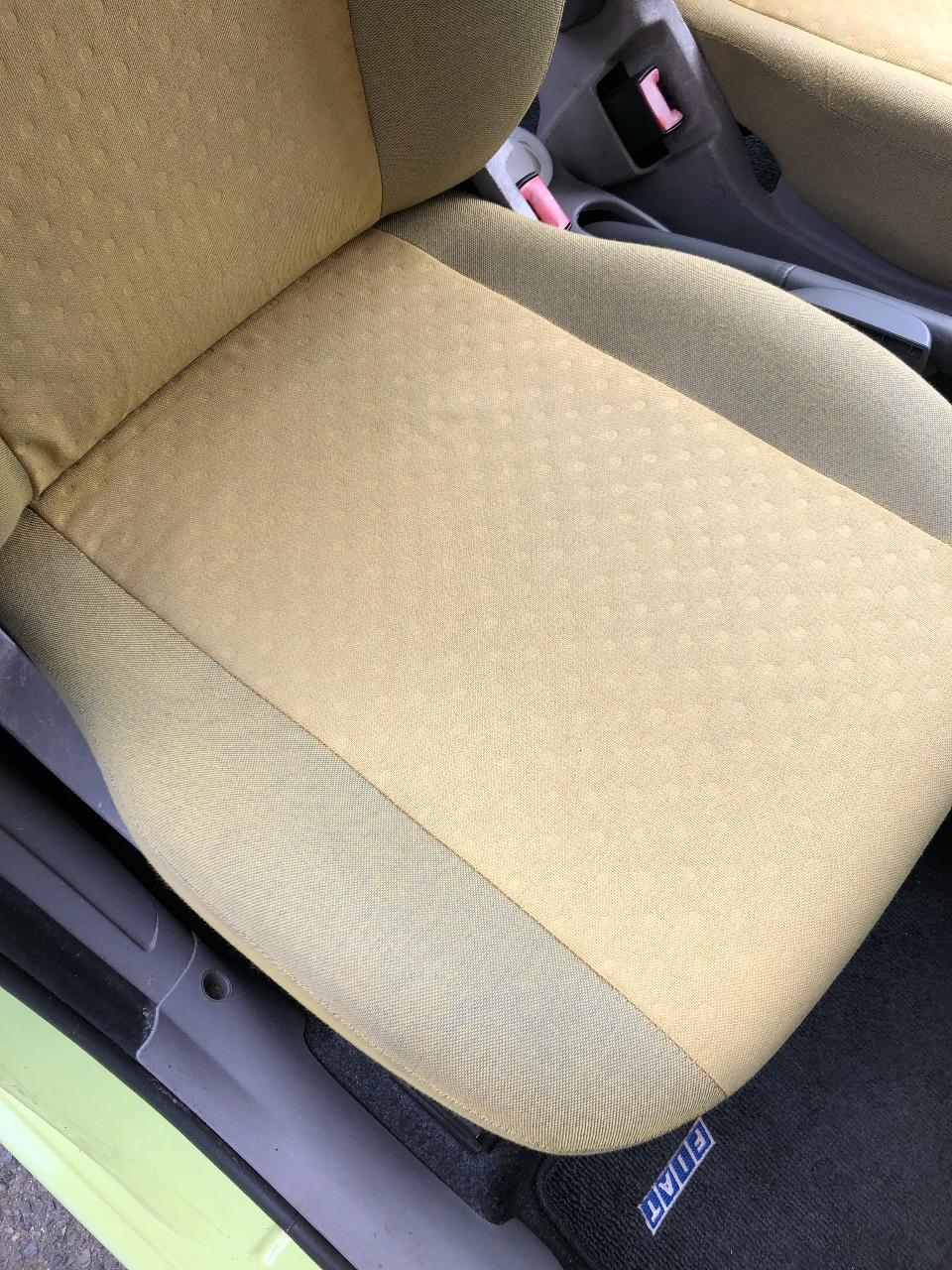 ルームクリーニングでシートの汚れを除去 除菌、消臭