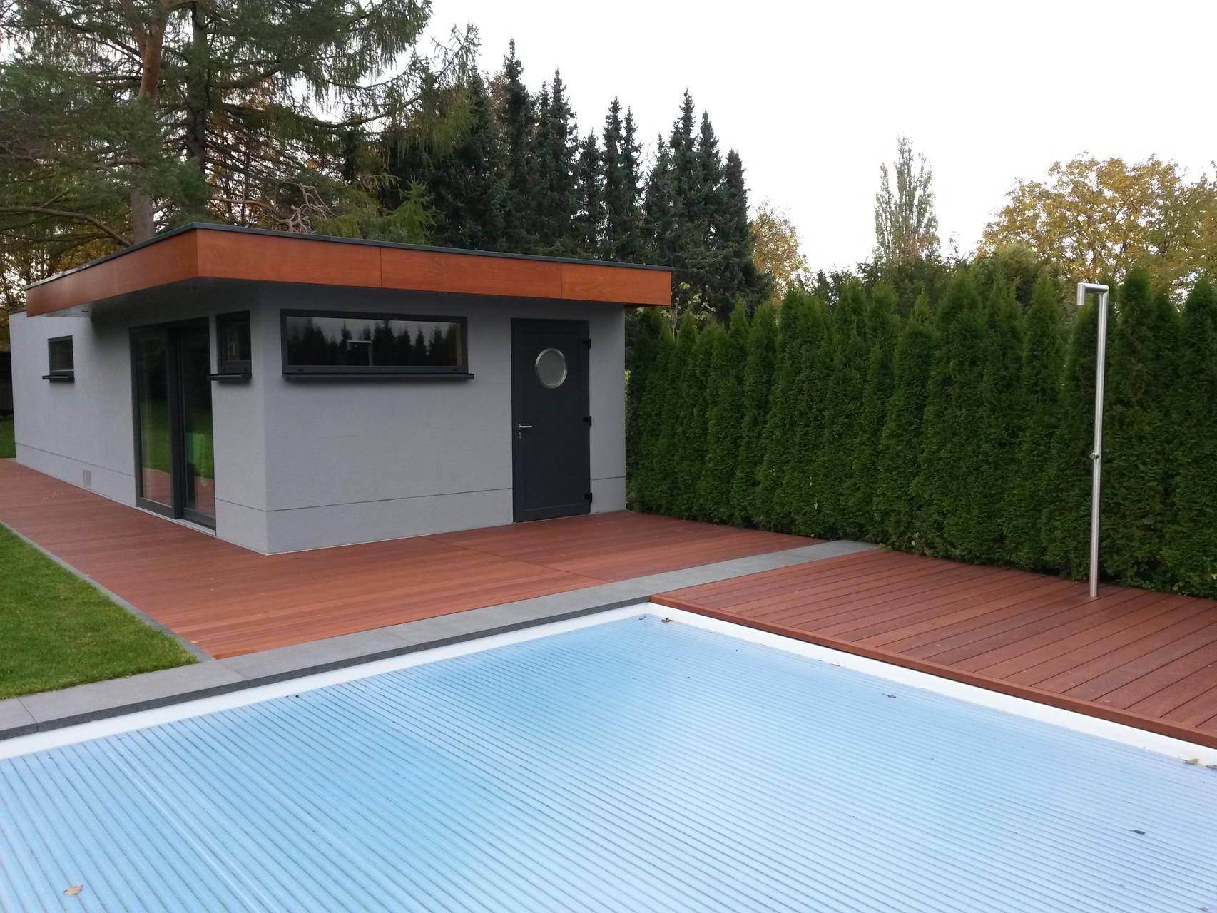 Sanierung eines Poolbereichs mit Echtholzdielen 10Jahre Garantie, Attika bekommt die selbe Holzausführung - Mario Bogisch Bausysteme