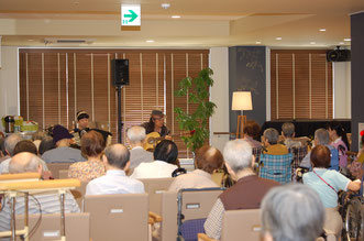 福岡市内の老人ホームにて