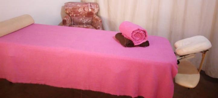 camilla mesa masaje toallas cortina contacto arc-en-ciel malinalco formulario cita informacion terapias holisticas domicilio hotel oficina consultorio pueblo magico