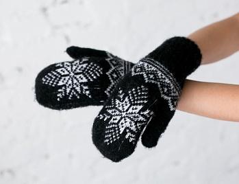 V4-1 Черные с белыми снежинками 1