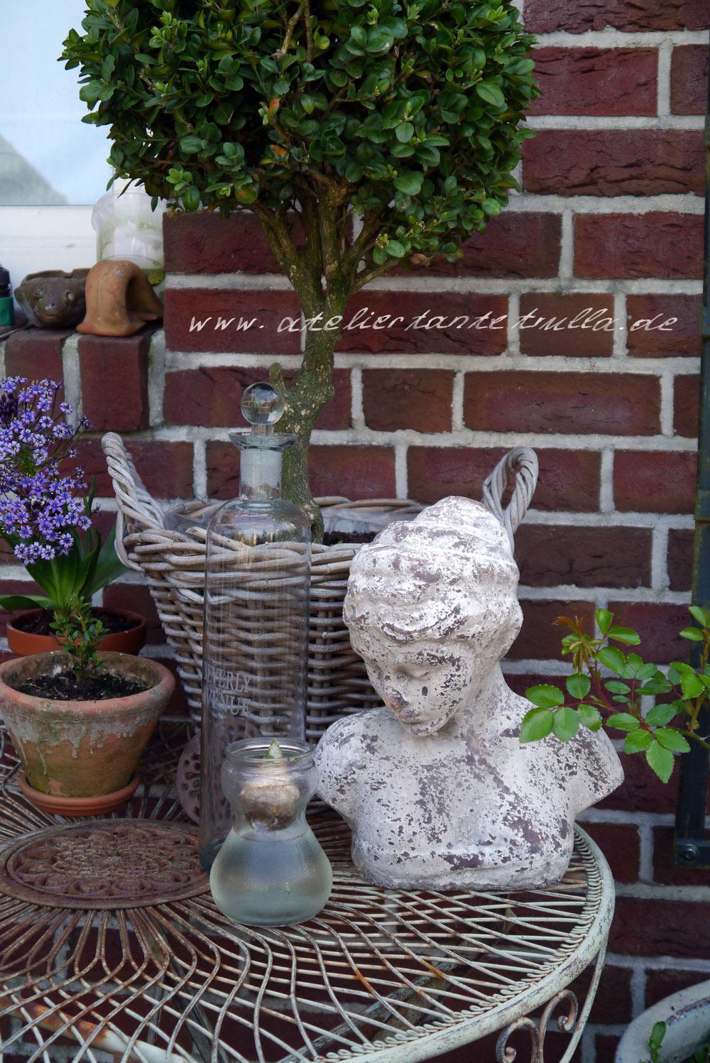 im Garten von Conni Altmann
