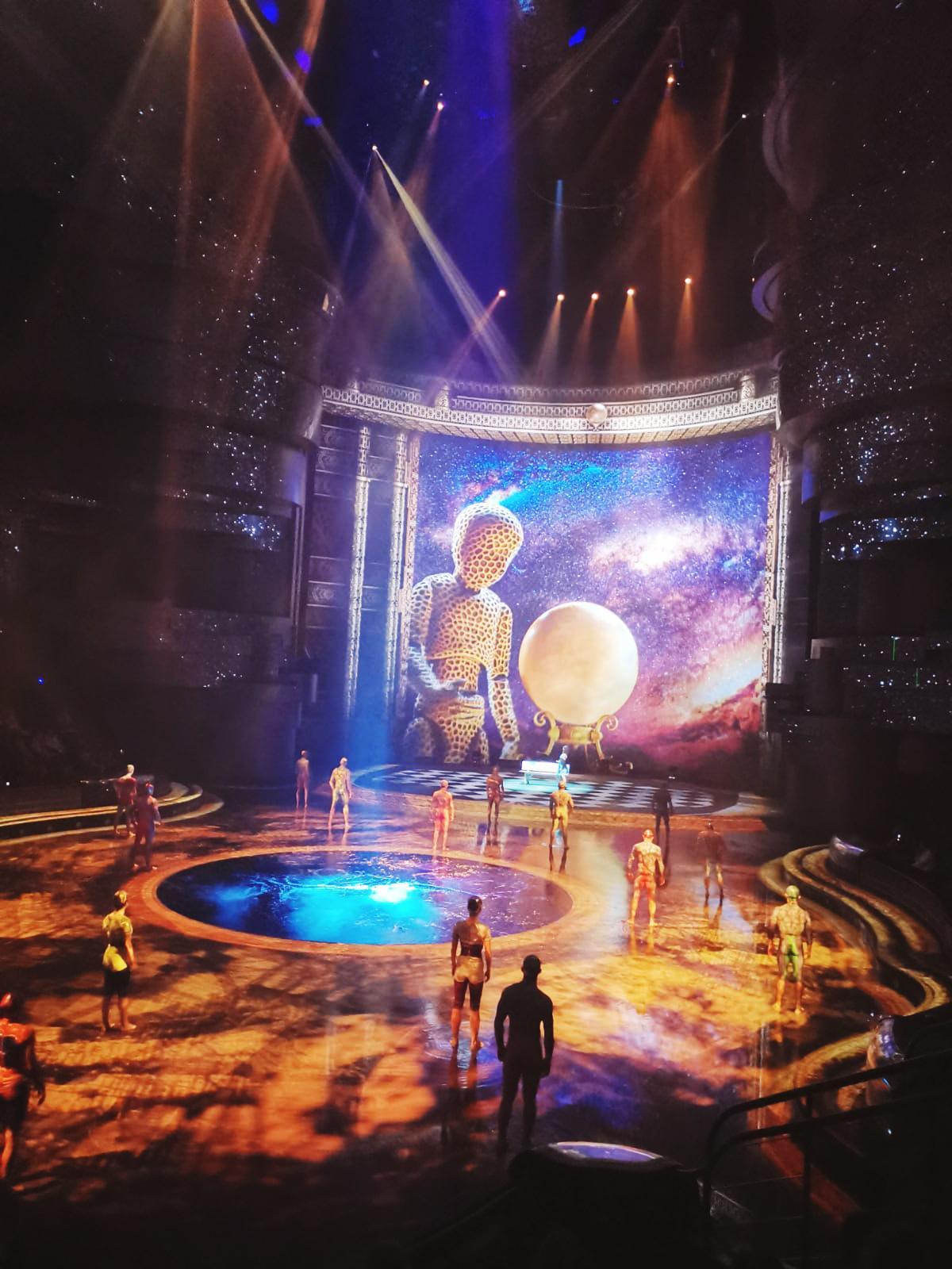 Die beeindruckende  Aquabühne ist der Mittelpunkt der Show