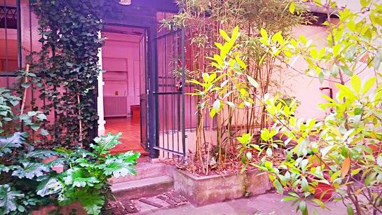 Entrée de la salle de Yoga à Toulouse Capitole