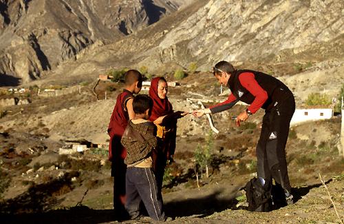 Reisefotograf-Juergen-Sedlmayr-Mönche/Nepal